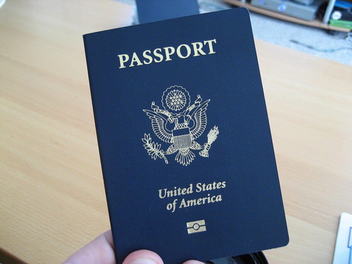 Был утеряр паспорт на имя Гречкина Кристина Юрьевна, случайно оставили в ячейке камеры хранения в магазине монетка в районе дк Кристалл, просьба вернуть за вознаграждение,паспорт был в чёрном пакете вместе с другими личными вещами.