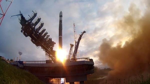 """Запуск космических аппаратов """"Космос-2535/2536/2537/2538"""" на ракете """"Союз-2.1в"""" 10 июля 2019 года."""