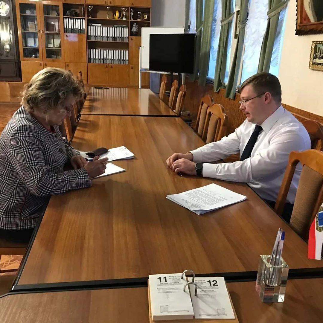 В администрации Петровского района состоялась рабочая встреча главы Дениса Фадеева с депутатом Государственной Думы Ольгой Алимовой