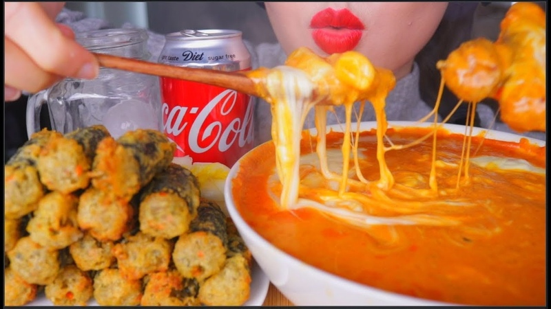 ASMR CHEESY SPICY RICE CAKES GIMMARI FRIED SEAWEED ROLL KIMCHI COLA | 咀嚼音 | 먹방