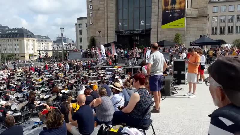 500 барабанов Нац день Бельгии 20190721 105224