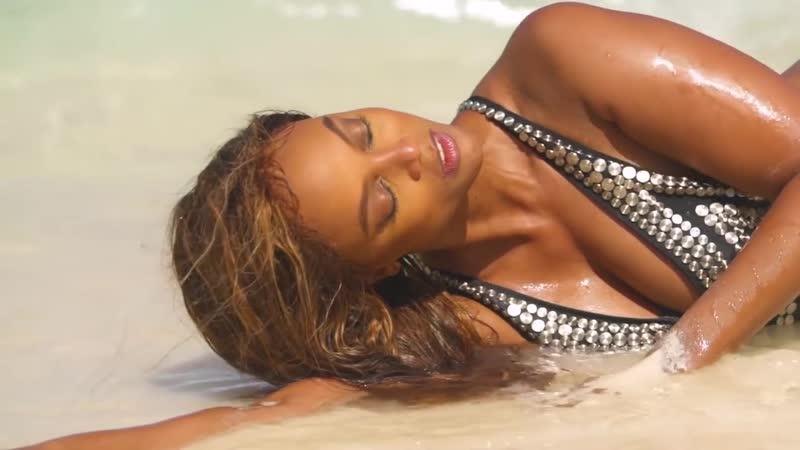 Swimsuit 2019_ Tyra Banks Intimates