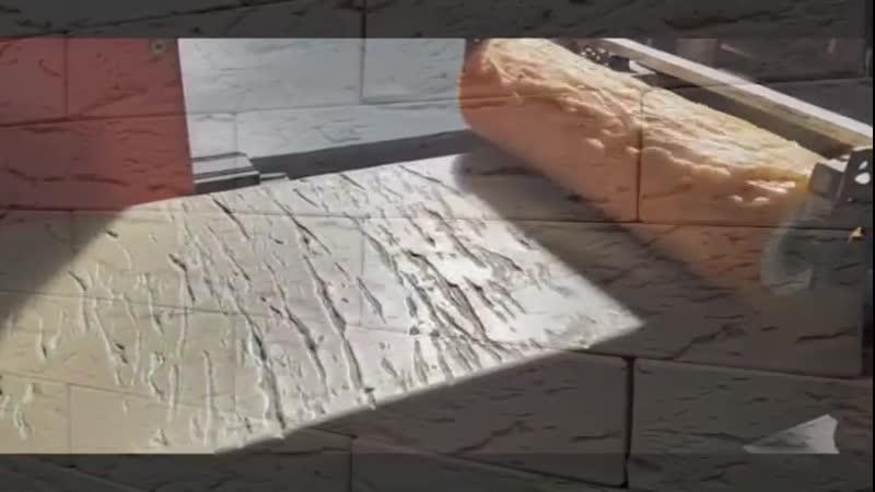 Как делают рифлёный кирпич Небольшое видео о производстве кирпича с накаткой Таким способом выбирая нужный барабан получают