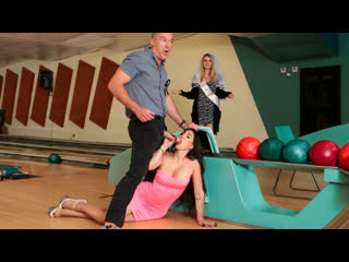 Valerie Kay - Bowling For The Bachelor