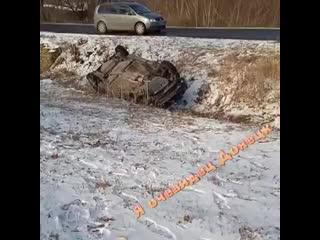 Девушка_на_авто_улетела_в_кювет.mp4