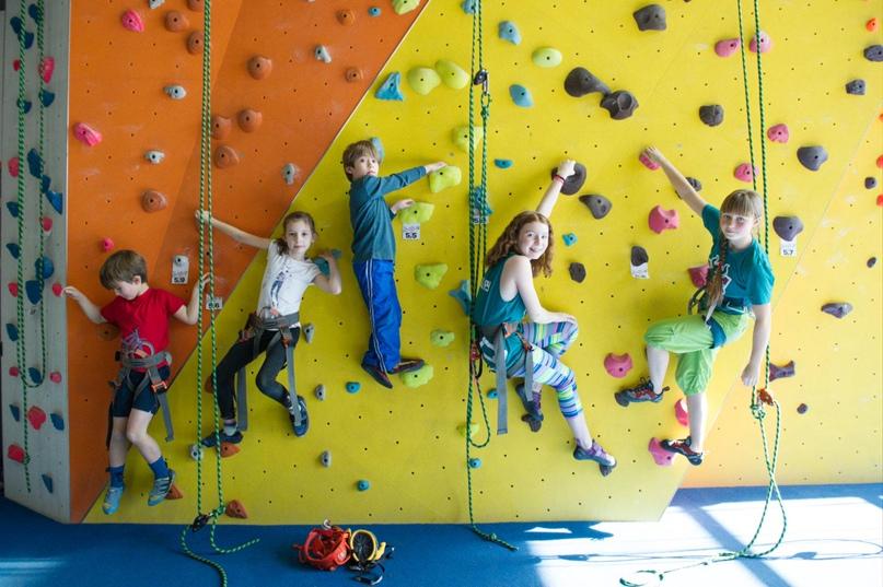 Набор в группы по акробатике в клубе детского скалолазания O'SKAL