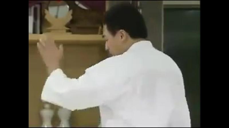 Kyokushin karate fighting techniques by hajime kazumi and shokei matsui