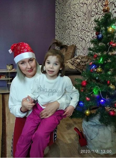 В Сибири ребёнку была необходима пересадка печени Для этого подходил ее отец, но у него был лишний вес.В итоге мужчина похудел ради дочери более чем на 20