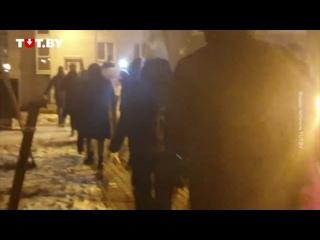 Жители микрорайона Лебяжий вышли на марш вечером 25 декабря