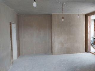 Фото до/после выполнения работ по машинной штукатурке в 3х комнатной квартире в ЖК Приморский Квартал!