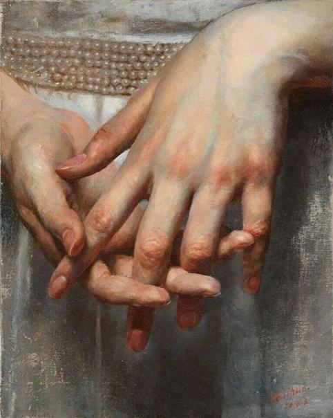 Нежнее нежного Лицо твое, Белее белого Твоя рука, От мира целого Ты далека, И все твое От неизбежного. От неизбежного Твоя печаль, И пальцы рук Неостывающих, И тихий звук Неунывающих Речей, И