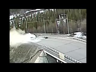 Хибины.com_ пьяная женщина убила в Апатитах водителя другой машины