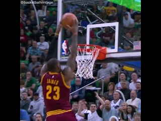 J.R. Smith to LeBron James alley-oop dunk