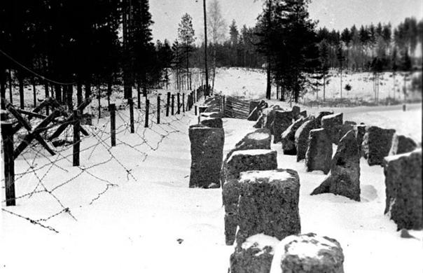 1940 год. Карельский перешеек. Укрепления на линии Маннергейма. Надолбы и проволочные заграждения финнов