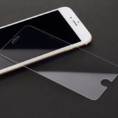 Защитные стекла на iPhone (2.5D)