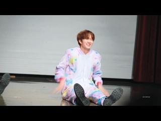 180120 Suwon fansign. Newkidd - Candy ( cover) Woochul focus. 🌸