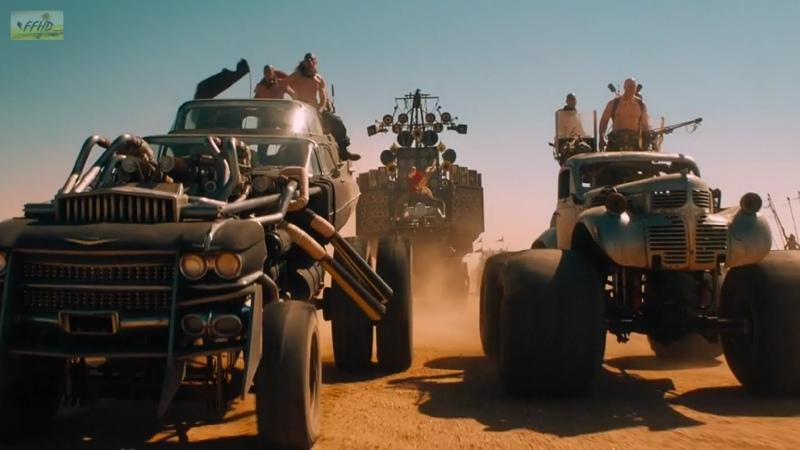 Спасение в песчаной буре Безумный Макс Дорога ярости 2015 Фрагмент из фильма