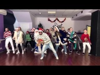 Новогоднее видео с зимнего интенсива DanceSkills21\Творческая мастерская А.Глазачева