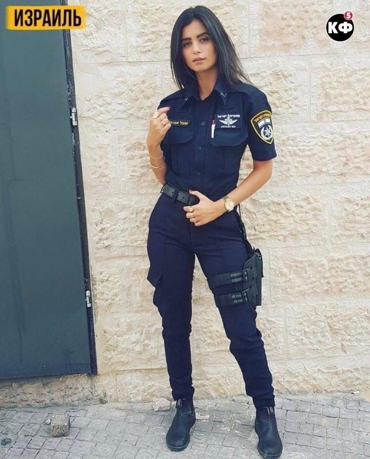 Девушки полицейские из разных стран