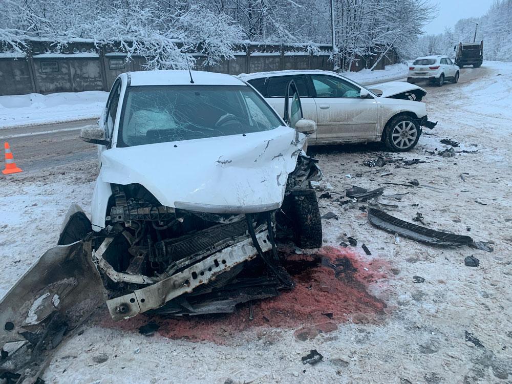 На Борковском шоссе в Кимрах 30-летний водитель Ауди спровоцировал ДТП с пострадавшей