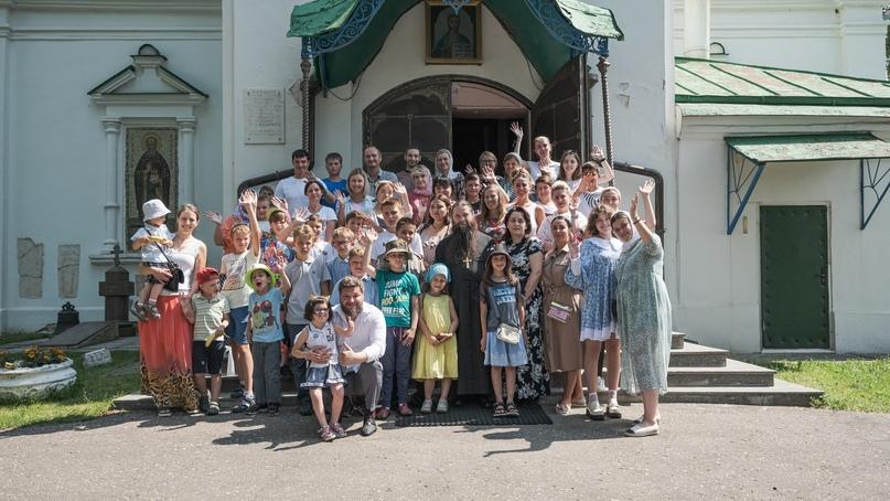 Добровольцы кинокомпании «Союз Маринс Групп» посетили детский дом в Волоколамске