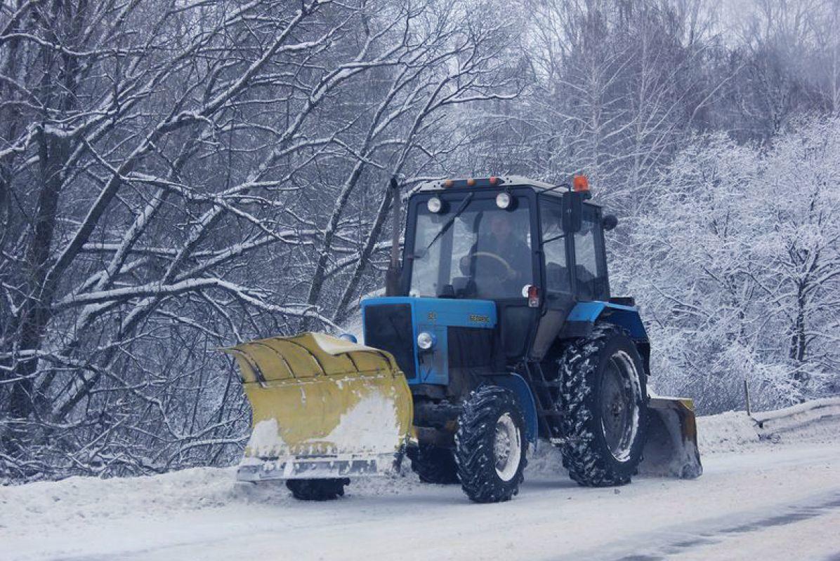 МВД опровергло новость о ворующем снег трактористе