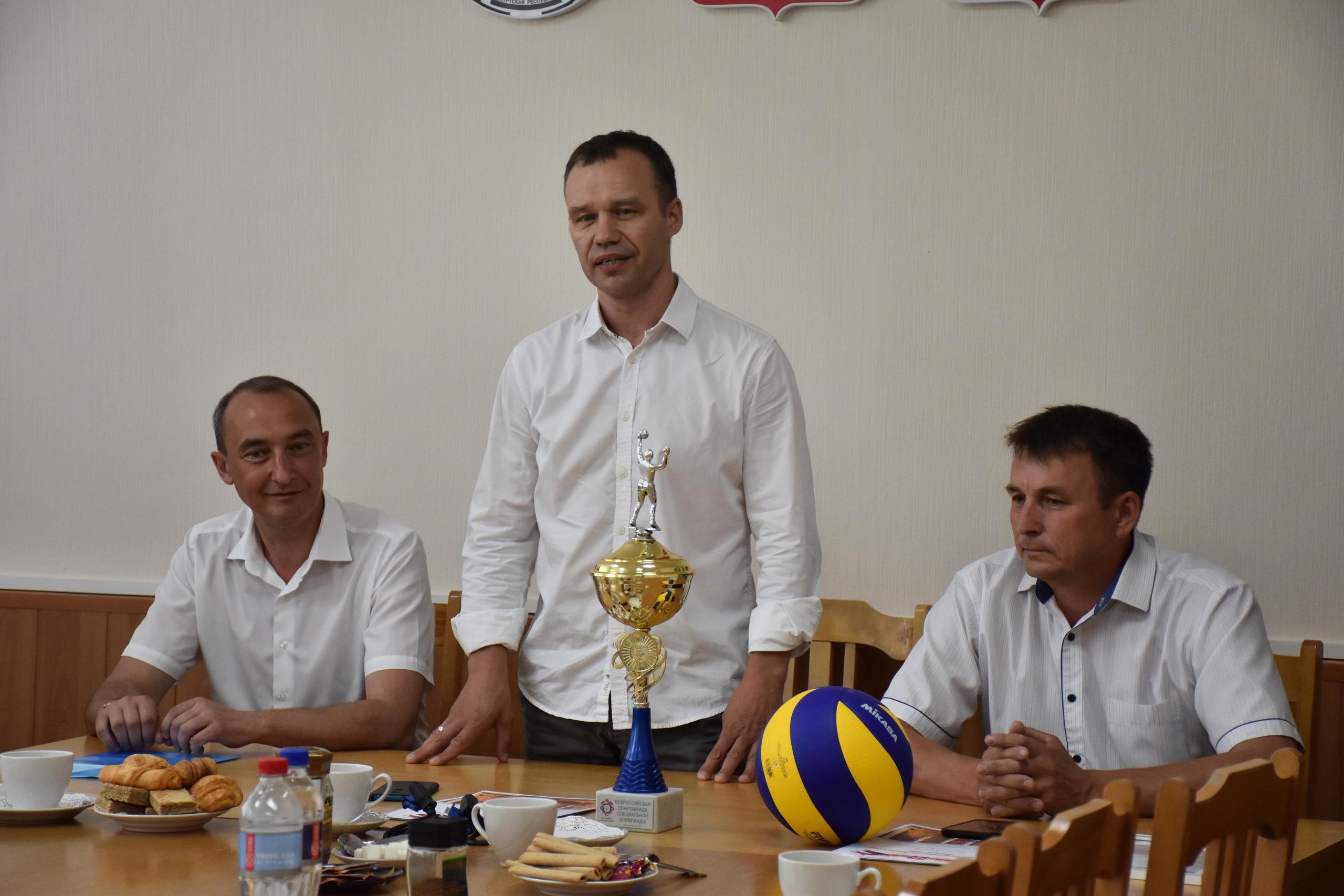 Чествование лучших спортсменов волейбола Можгинского района.