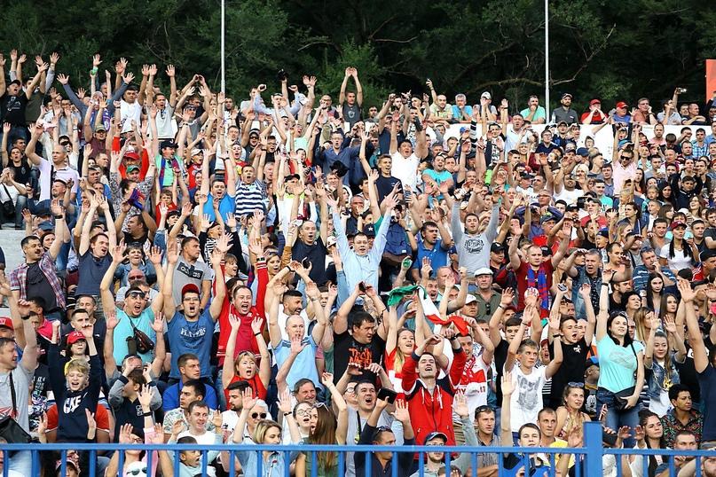 Волна на матче «СКА-Хабаровск» — «Спартак» 27 августа 2017 г.