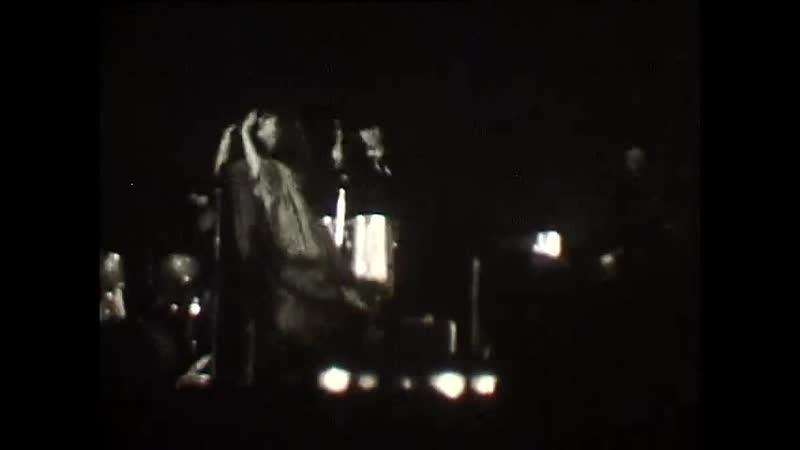 Фрагмент выступление Аллы Пугачевой Новосибирске в 1979 г с песней Все могут короли