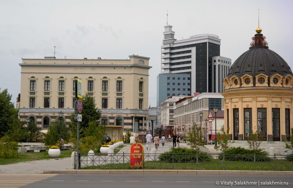 Пешеходная часть улицы Петербургская, Казань 2020