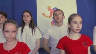 Школа 72 г. Волгограда приняла в подарок ковер для самбо от областной федерации самбо.