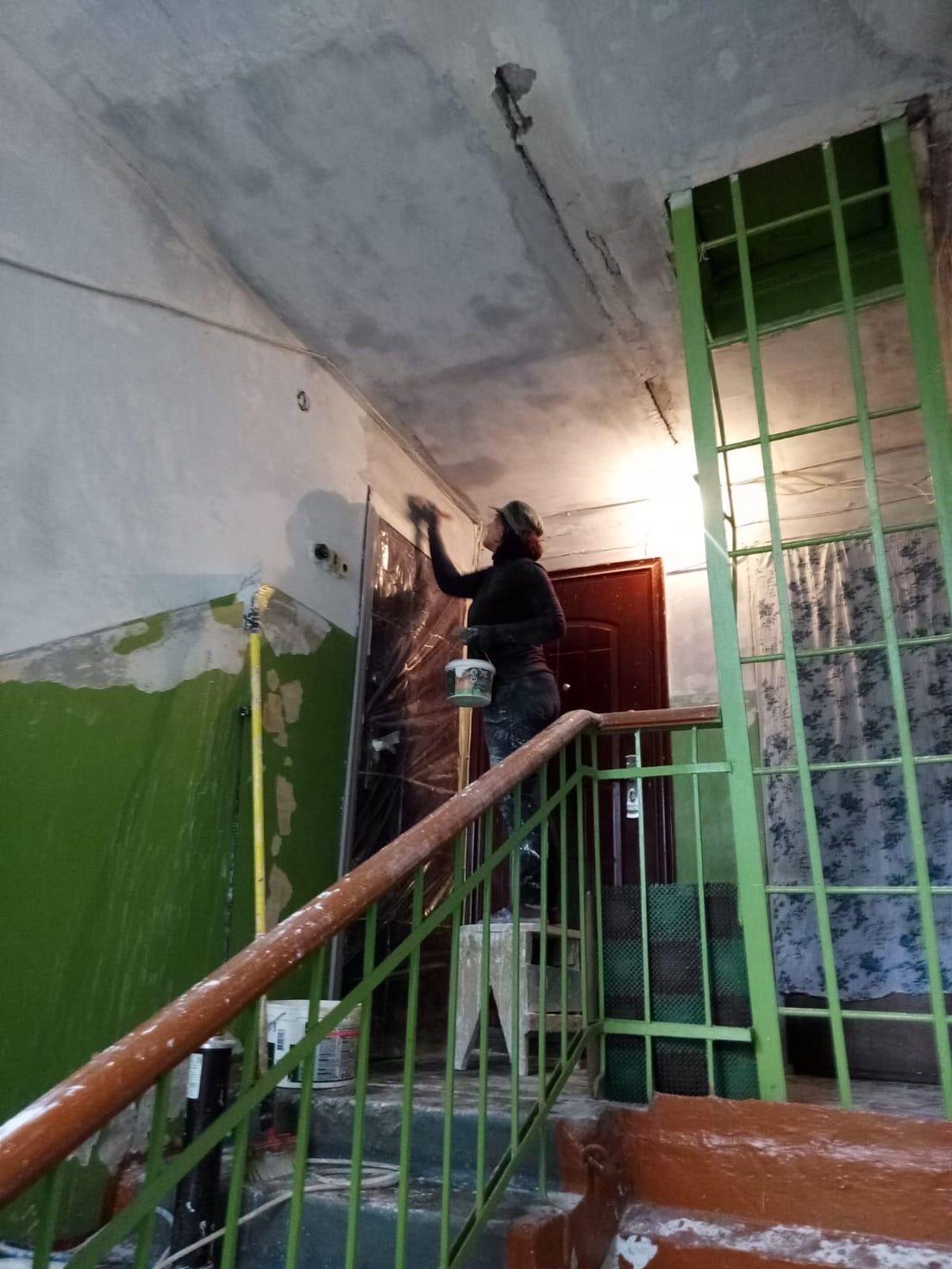 Подготовительные работы к ремонту подъезда улица Большева