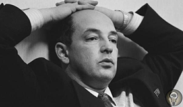 Легальный миллионер Тарасов приобрёл известность в СССР и за рубежом как легальныйсоветскиймиллионер, которому по решению возглавляемого имкооператива«Техника» за январь1989годабыла