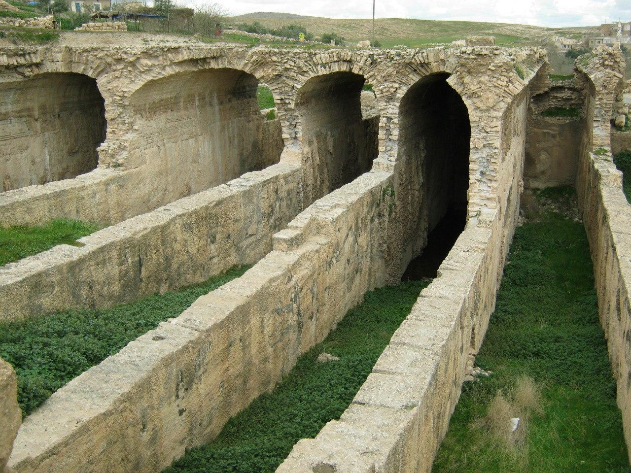 резервуар и канал в Дара