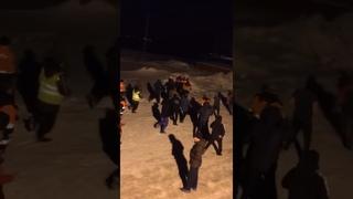 В Мурманском поселке НОВАТЭКа Белокаменка идут массовые драки дагов с казахами из-за мест в столовой